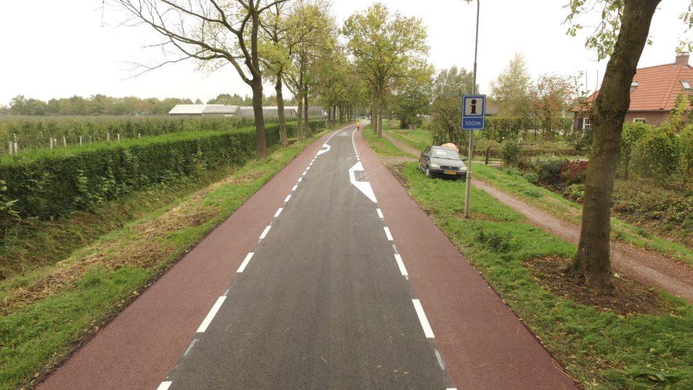 asfalteren tielerweg geldermalsen